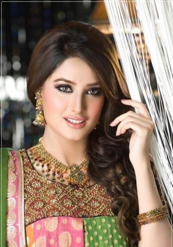زنان پاکستانی از زیبایی خارقالعادهای برخوردارند.