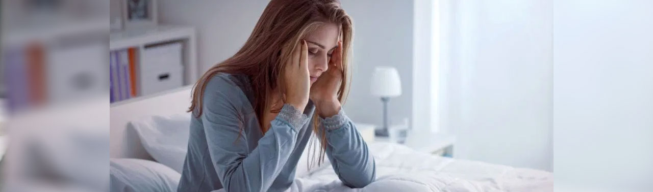۹ تکنیک موثر برای توقف افکار مزاحم که ما را تمام شب بیدار نگه میدارند