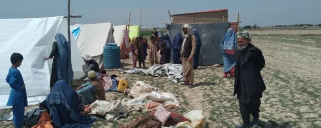 آواره هایی که در مسجد اسکان داده میشوند؛ نشست اضطراری امنیتی در شمال افغانستان