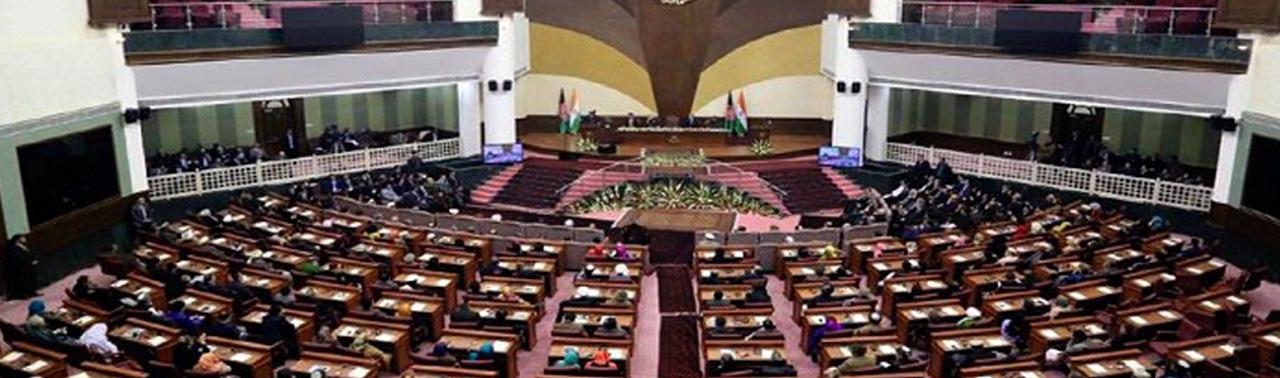 ادامه تقابل دو قوه؛ مجلس به غنی: اجازه نمیدهیم کسی با تفسیر شخصی از قانون دارایی عامه را حیفومیل کند