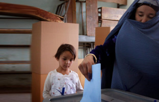 از فراهم آوری بودجه تا هشدار در باره تقلب ها؛ ۷ موضوع مهم انتخاباتی این هفته افغانستان