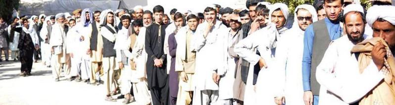 حضور گسترده مردم قندهار در پای صندوقهای رأی