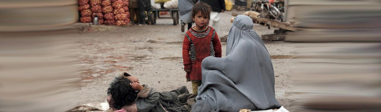 کرونا و بیکاری گسترده در افغانستان؛ افزایش فقر، نزول ۶ پلهای رشد اقتصادی و زیان کارآفرینان