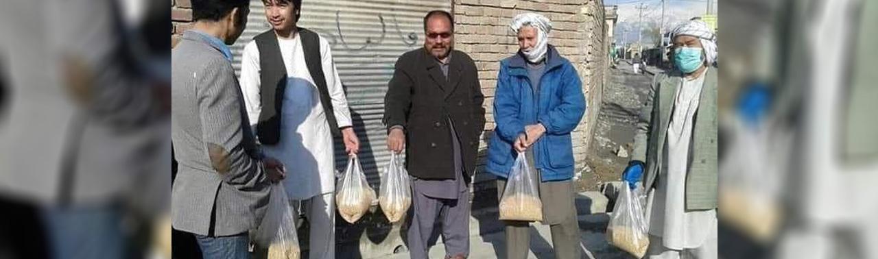 شوخی، طنز و عصبانیت برای چهار و نیم کیلو گندم؛ خشم کاربران افغان شبکه های اجتماعی