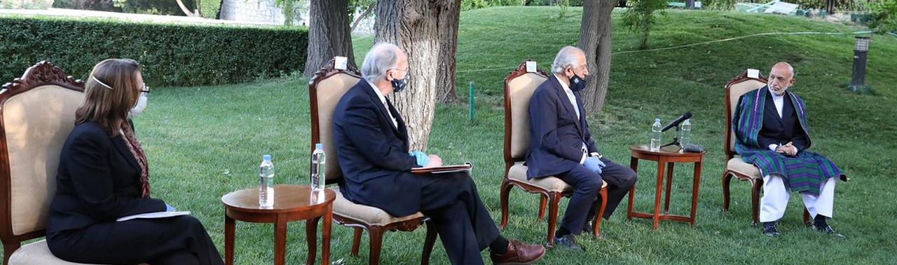 ادامه سفر خلیلزاد؛ گفتگوهای روز گذشته میان عبدالله، غنی و خلیلزاد روی چه موضوعاتی متمرکز بوده است؟