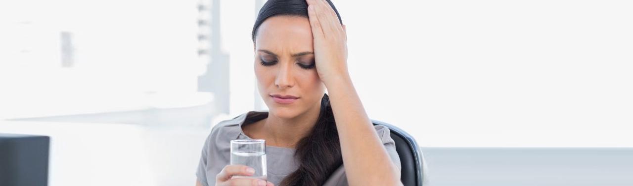 ۹ نشانه که آب کافی نمی نوشید