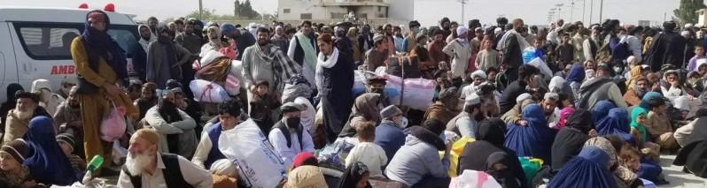 روند کمک های نقدی برای مهاجرین افغان در پاکستان آغاز شد