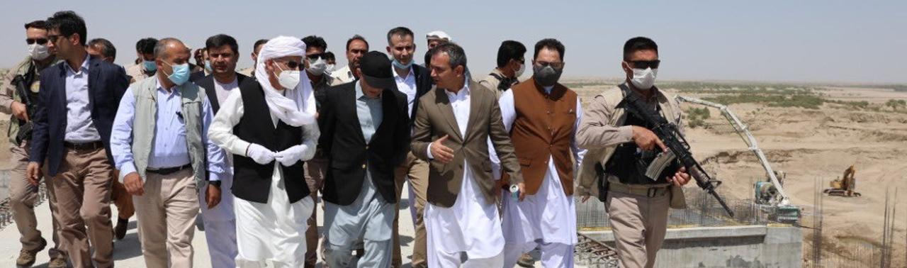 غنی در جریان بازدید از نیمروز / بند کمال خان ۴ ماه دیگر به بهره برداری سپرده می شود