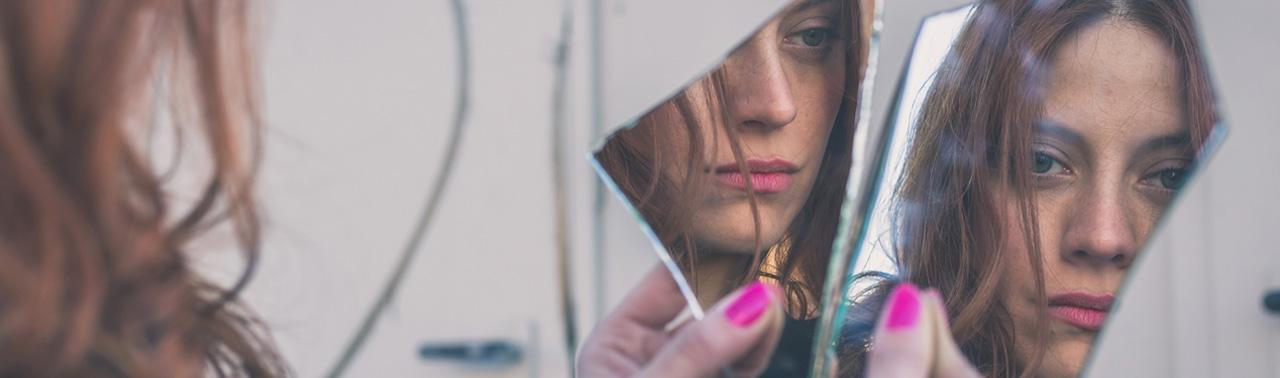 آیا واقعا زشت هستید یا به اختلال خود زشت انگاری مبتلایید؟