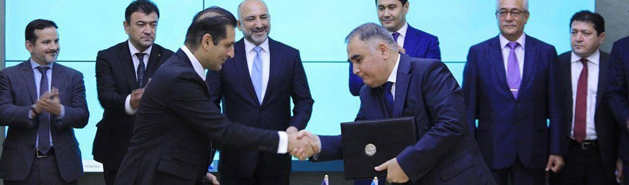 امضای قرارداد ۱۰ ساله انتقال برق از ازبکستان؛ آیا انرژی افغانستان تامین خواهد شد؟