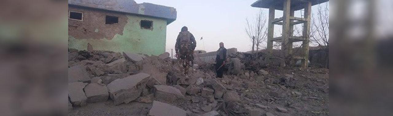 ادامه درگیری ها در غزنی؛ انفجار موتر بمب طالبان بر ولسوالی ده یک