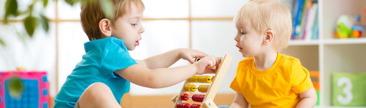 ۷ نشانه که کودکی بسیار خلاق دارید
