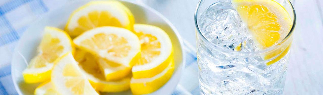 اگر هر روز ترکیب آب و لیمو بخورید، این ۷ اتفاق در بدن تان رخ میدهد