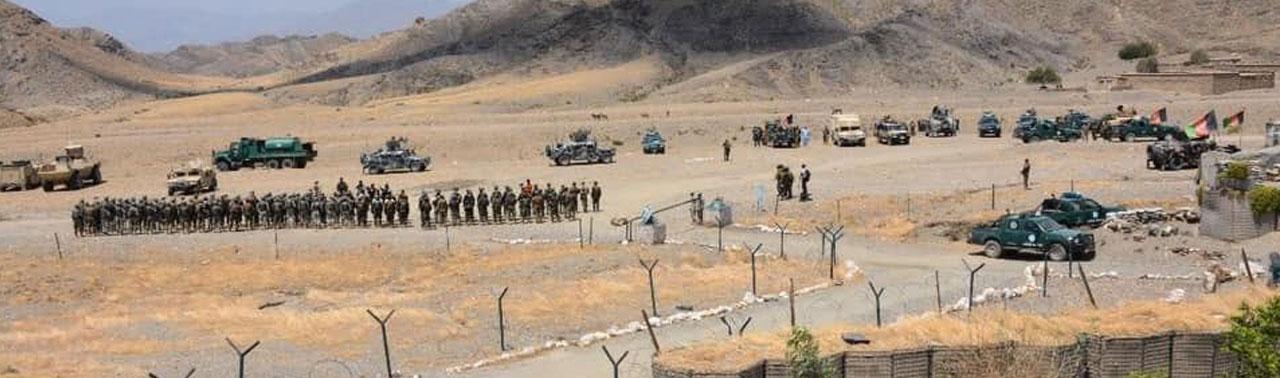 مانور نظامی ارتش در مجاورت خط دیورند؛ وزارت دفاع: این مانور پیام دارد