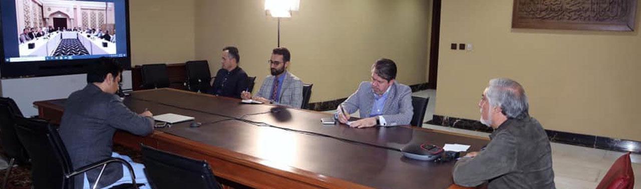 گفتگوی ویدئویی عبدالله با هیئت مذاکره کننده حکومت؛ با گذشت ۱۶روز از آغاز مذاکرات اختلافات هنوز پابرجاست