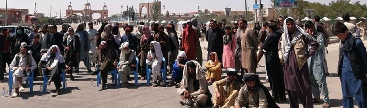 اعتراضات در غزنی؛ پس از دو روز شاهراه کابل – قندهار به روی ترافیک باز شد