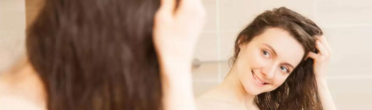 ۶ نرم کننده طبیعی برای انواع مو که می توانید در خانه آماده کنید