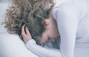 علم توضیح میدهد: اگر گرسنه بخوابید، چه اتفاقی برای بدن تان رخ میدهد
