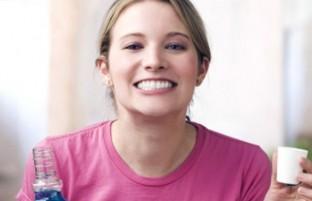 دهانشویه خانگی: ۵ رسپی ساده که بهترین ترکیب را برای بهداشت دهان و دندان بسازید