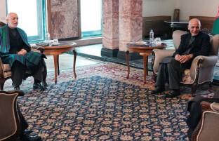 تلاش ها برای تشکیل ساختار شورای مصالحه؛ غنی با عبدالله، کرزی و سیاف دیدار کرد