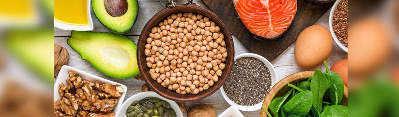 ۹ بهترین منبع غذایی اسیدهای چرب امگا۳ که به مبارزه با التهاب و حمایت از سلامت قلب کمک می کند