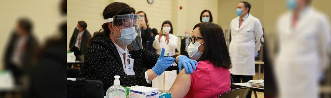 واکسیناسیون کووید-۱۹ در کانادا نیز آغاز شد