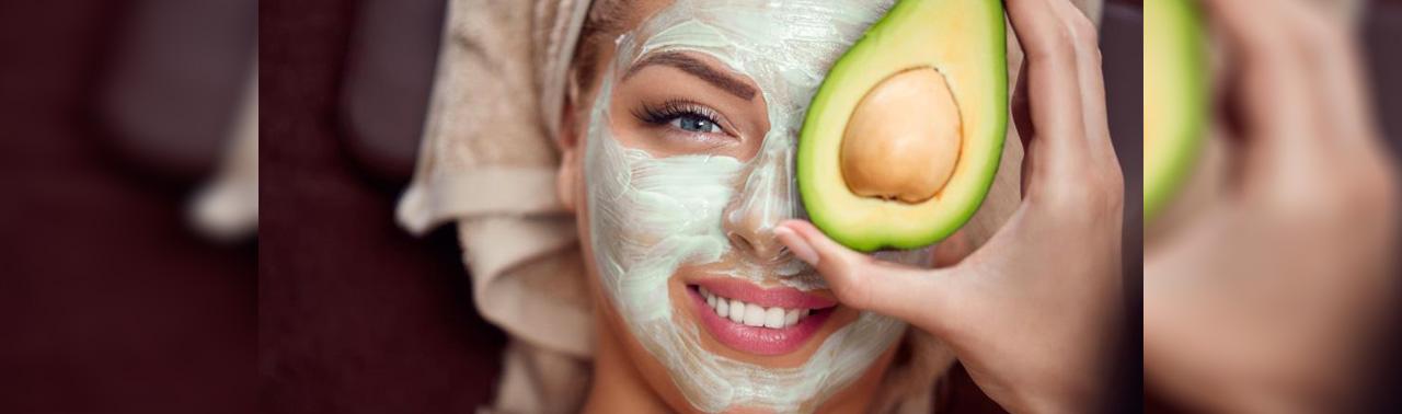 جلوگیری از پیری پوست: ۱۰ ماده غذایی که به حفظ جوانی پوست کمک می کنند