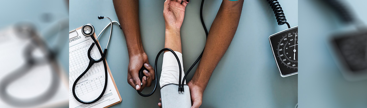 ۹ نشانه فشار خون بالا که نباید از آنها چشم پوشی کنید