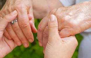 افزایش مصرف ویتامین C و E به جلوگیری از پارکینسون کمک میکند