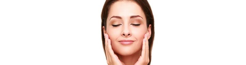 ۷ عادت صبحگاهی کسانی که پوستی صاف و زیبا دارند
