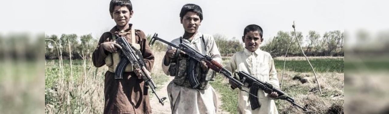 گزارش تازه؛ ۱۲۶ کودک در سال گذشته درگیر جنگ در صفوف نیروهای دولتی و گروههای مسلح بوده اند