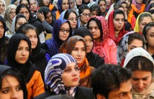 روزجهانی زن؛ کمیسیون حقوق بشر خواهان حضور زنان در تمام مراحل روند صلح شد