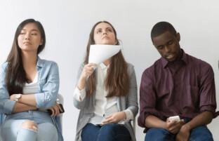 ۱۴ زبان بدن منفی و عادت صحبت کردن که باید همین امروز کنار بگذارید