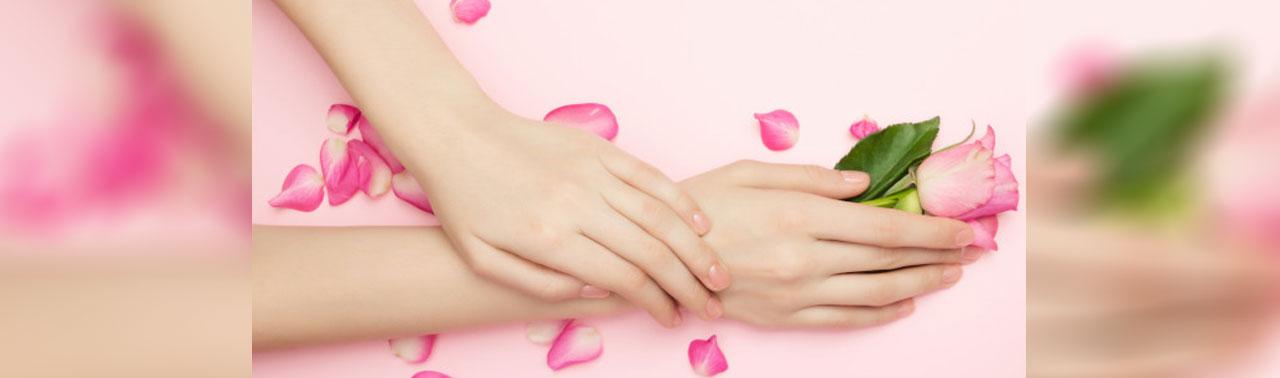 ۸ ترفند ساده خانگی برای جوان سازی پوست دست