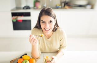 رفع سلولیت با مواد غذایی: ۱۵ بهترین ماده خوراکی برای رفع تجمع چربی در بدن