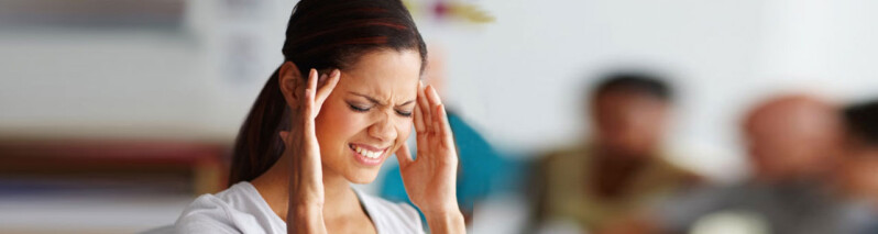 نشانه سردردهای خطرناک: ۹ نوع سردرد که باید جدی بگیرید!