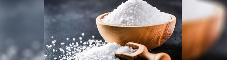 ۱۳ کاربرد عجیب و بسیار مفید نمک در خانه!