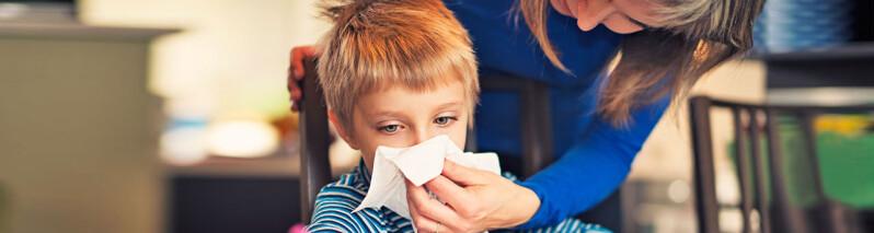 درمان سرماخوردگی کودکان: ۳۵ درمان خانگی فوق العاده برای تسکین سرفه و علائم سرماخوردگی