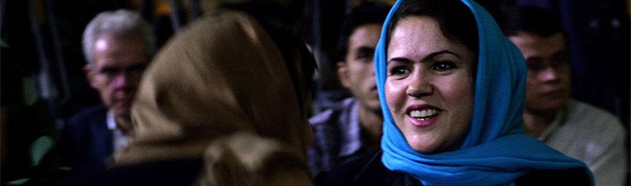 فوزیه کوفی؛ طالبان قصد کشتن اش را داشتند اما او حالا با آنها سر میز مذاکره می نشیند!