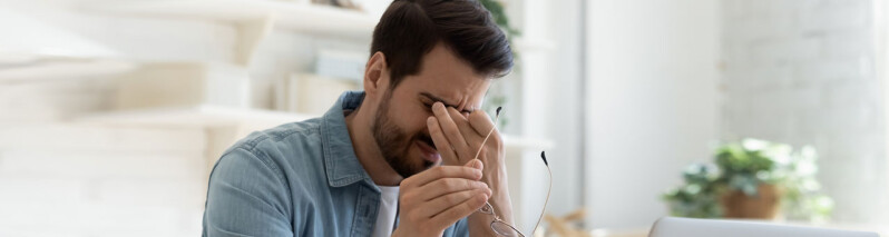 علائم افسردگی در مردان: ۱۲ نشانه ای که مردان نباید نادیده بگیرند!