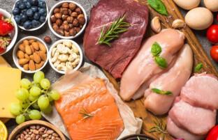 مواد غذایی مفید برای کلیه: ۱۶ ماده غذایی که سلامت کلیه ها را بهبود می دهند