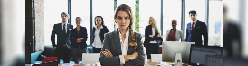 غالب مردان به این ۱۰ دلیل نمیتوانند با زنان قوی کنار بیایند!