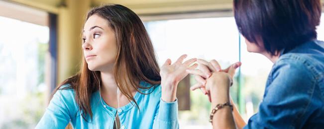 ۱۰ عادت آدم های سمی و شیوه دور ماندن از آنها